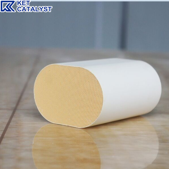 Runway circular Ceramic substrate catalyst coating for gasoline cars