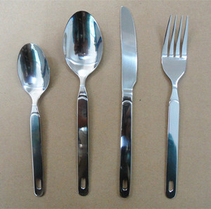 Stainless steel hanging cutlery set with a hole in handle