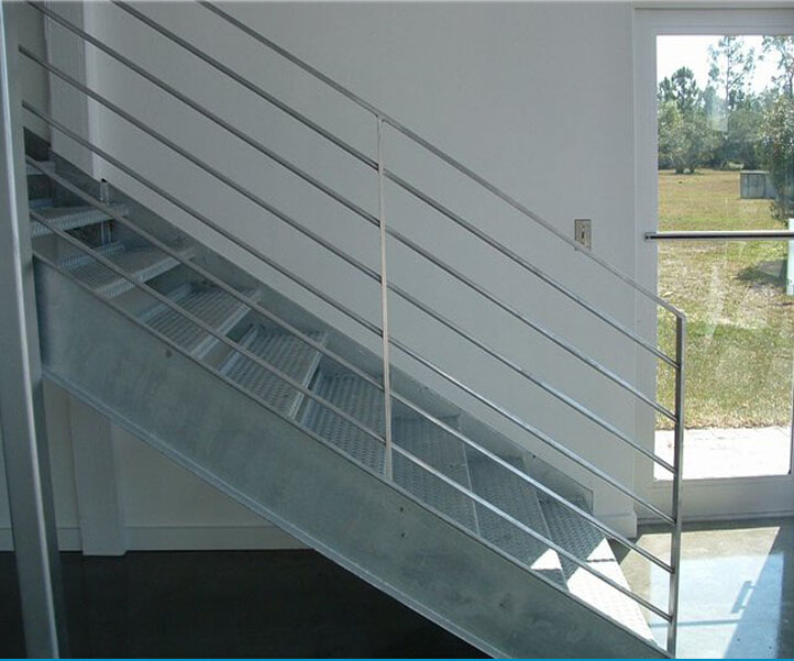 Escalier m tallique ext rieur grilles marches escalier for Escalier galvanise prix