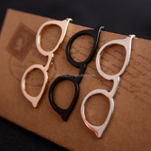 Wholesale cheap glasses metal tie clips with cut outs