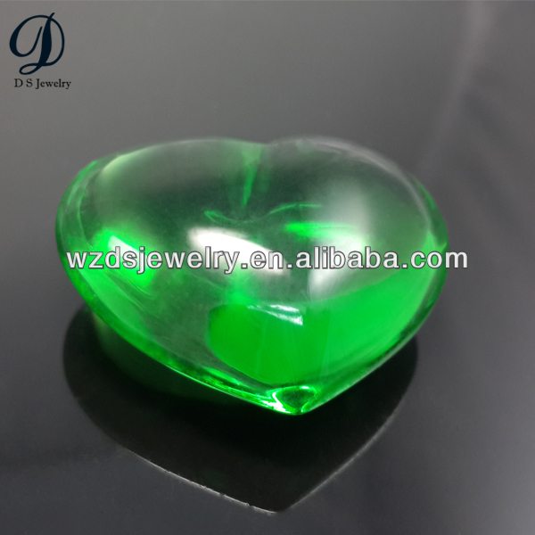 2014 New product heart shape green glass gems of China