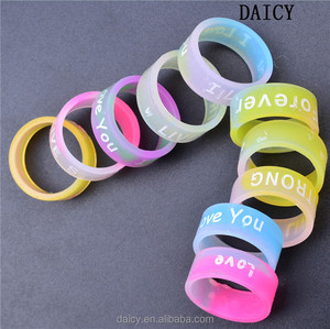DAICY cheap wholesale colorful love letter Luminous silicone wedding ring