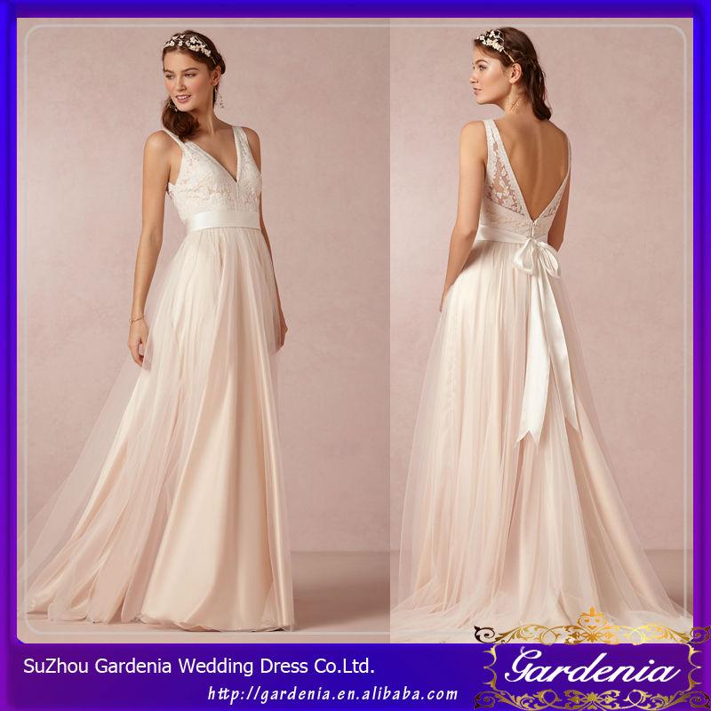 Color marfil v- cuello hinchados de tul de jardín de la boda más ...