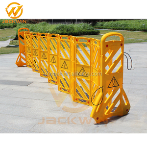 Folding Traffic Barrier / Retractable Safety Barrier / Plastic Traffic Barrier Unique Design