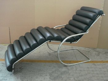 Mies Van Der Rohe Chaise Lounge
