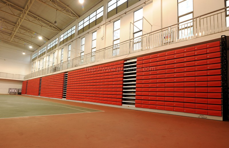 Indoor Outdoor Grandstand Bleacher Seating Retractable