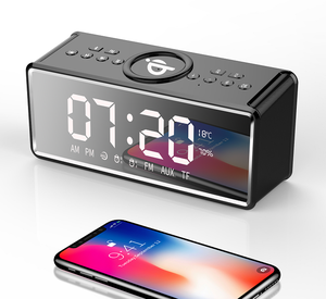 QI Wireless Charging Clock Alarm Bluetooth Speaker with FM Radio Portable LED Wireless Speaker AUX Mp3 Music Player 2019