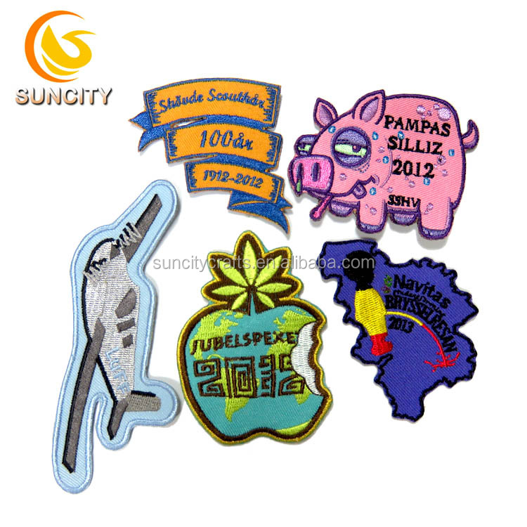 2017 Latest Design Fashion DIY Custom Apple Pig Logo Embroidery Patches For Clothing Accessory