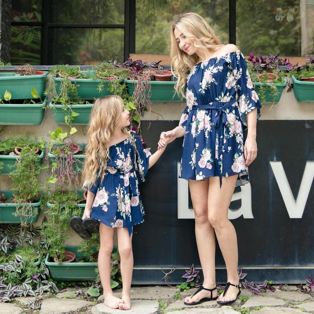 Alibaba.com / 2018 European style family summer dress mom and daughter off shoulder floral dress family parent-child clothes