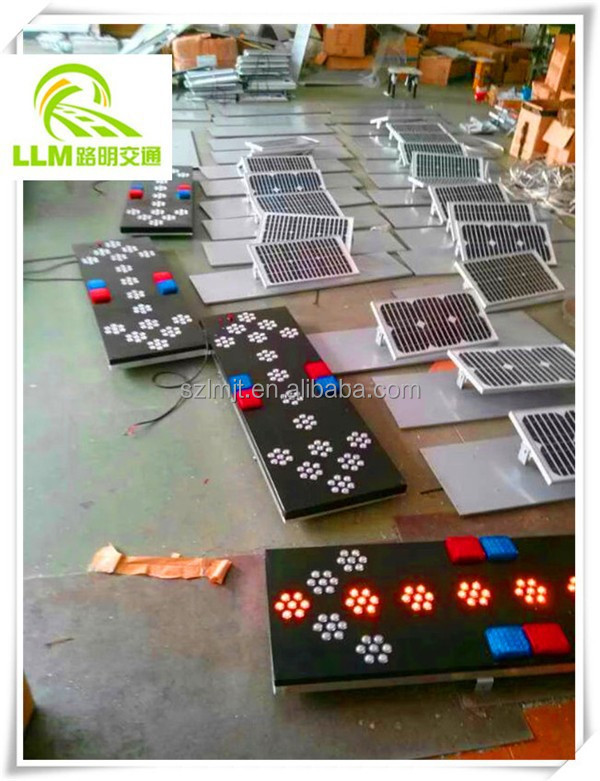 Presa di fabbrica solare led costruzione attenzione strobe light ...