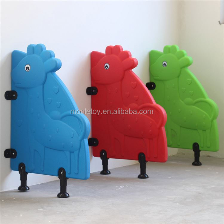 Factory customized material low price cute cubicle toilet partition system