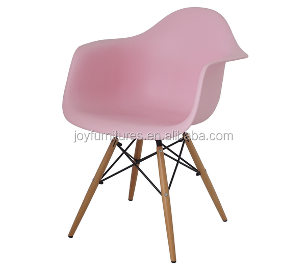 Colorful Dining Plastic Chair Replica Plastic Armrest Chairs Pink Wood Leg Plastic Chair