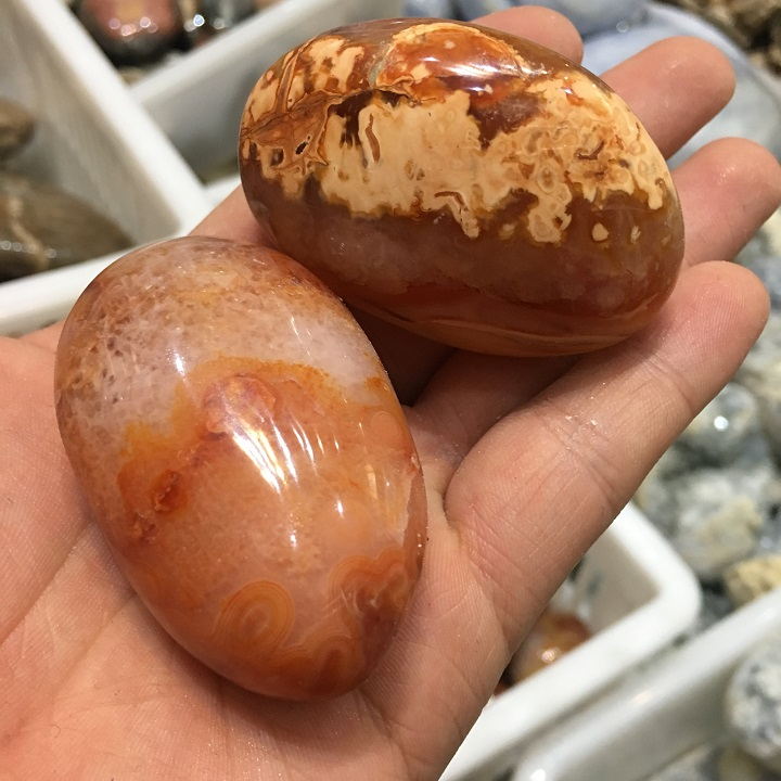 Natural crystal red agate eggs Carving Yoni Eggs Carnelian
