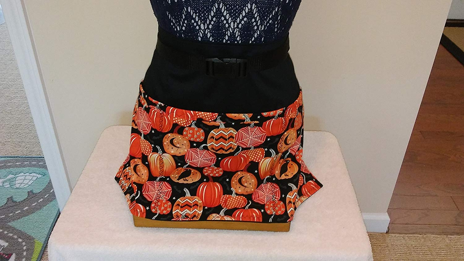 ADJUSTABLE NO - TIE APRON/Pumpkins that GLOW IN THE DARK/Halloween- Orange, black and White/3 Lined Pockets Waist Apron/One size fits most