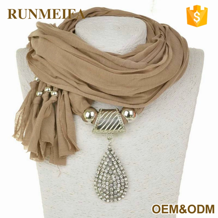Factory Supply Good Quality Stud Pendant Scarf From China