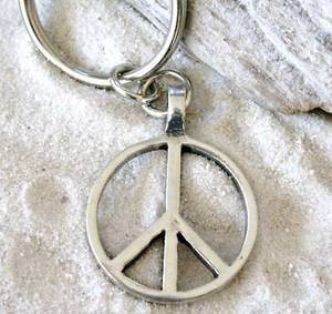 Pewter Classic Peace Sign Love Hippie Keychain Key Tag