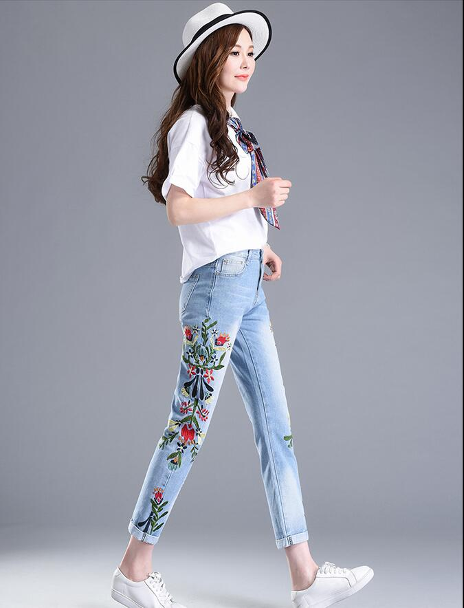 2017 Summer New Scratched Jeans Women Pants Fashion Embroidery Floral High Waist Slinny Jeans Plus Size Elasticity Pencil Pants