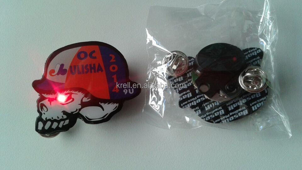 Custom Skull Shaped Badges with Red Flash Lamp & Glitter Light