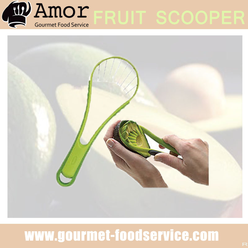 Safe splitting avocado slicing scoop tool with quality assurance
