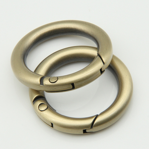 Hot sale handbags accessories antique gold spring metal gate ring