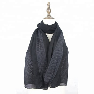 2018 Hot Selling Low Price High Quality Women Hijab Shawl Female Black Muslim Linen Knitted Lace Scarf For Lady Wholesale