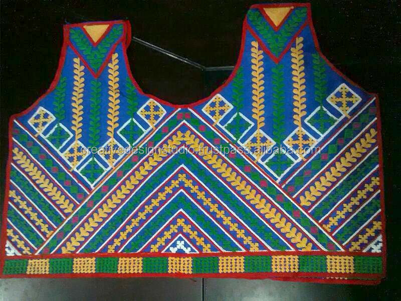chain stitch Embroidery Design for blouse