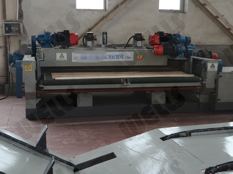 spindle less wood peeling lathe/4 feet veneer peeling machine/veneer peeler