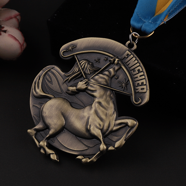2019 Custom bronze 3D metal finisher medals and trophies