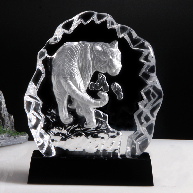 Pujiang Jinghua Customized Animal trophies medals iceberg Wolf head crystal trophy Awards for sports encourage and reward