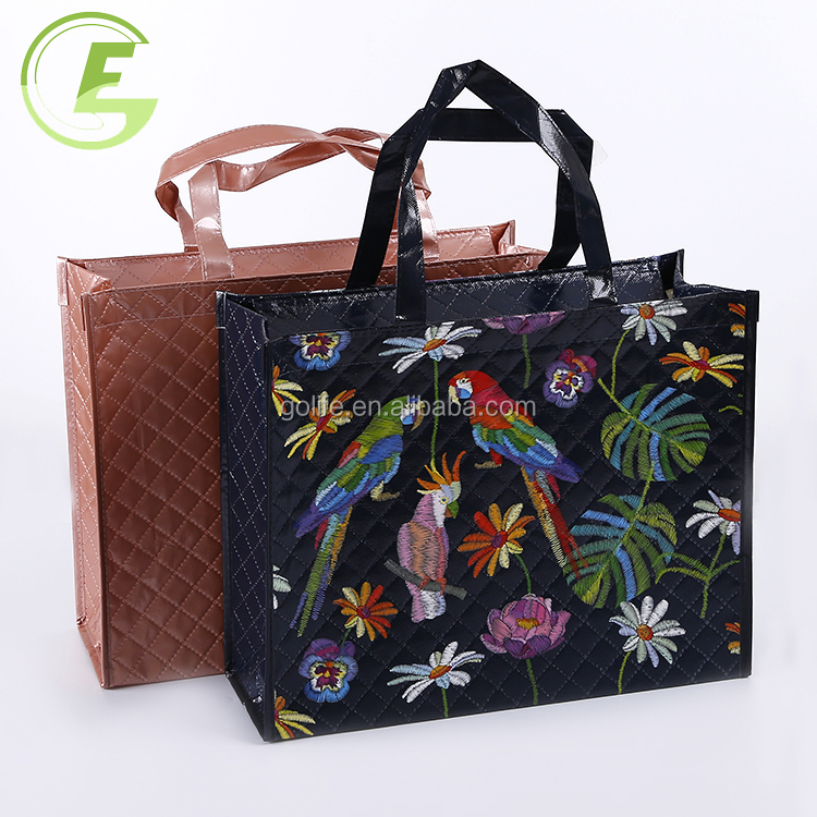 Classic Black Sewing Ladies Non-woven Carrying Bag Shopping Bags