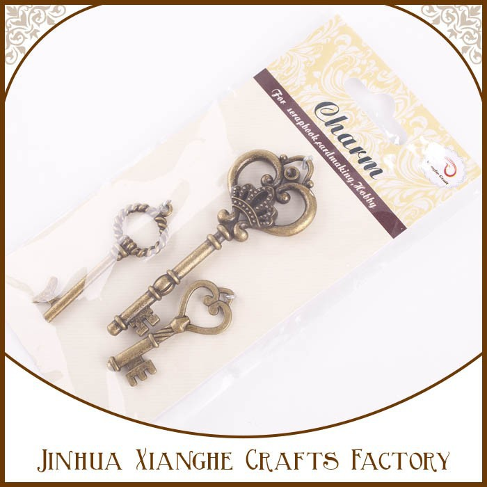 Hot Sale Scrapbooking Vintage Keys Collection Metal Charm Hanger Craft
