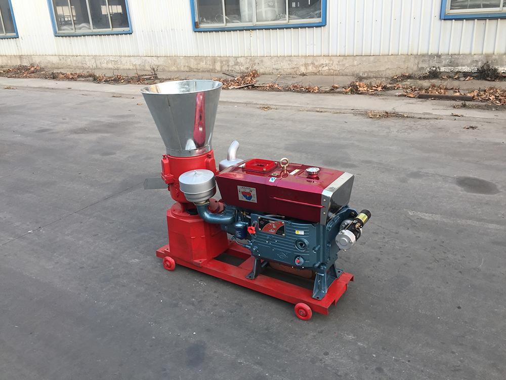 Mini Diesel Engine And Manual Sawdust Straw Grass Walnut