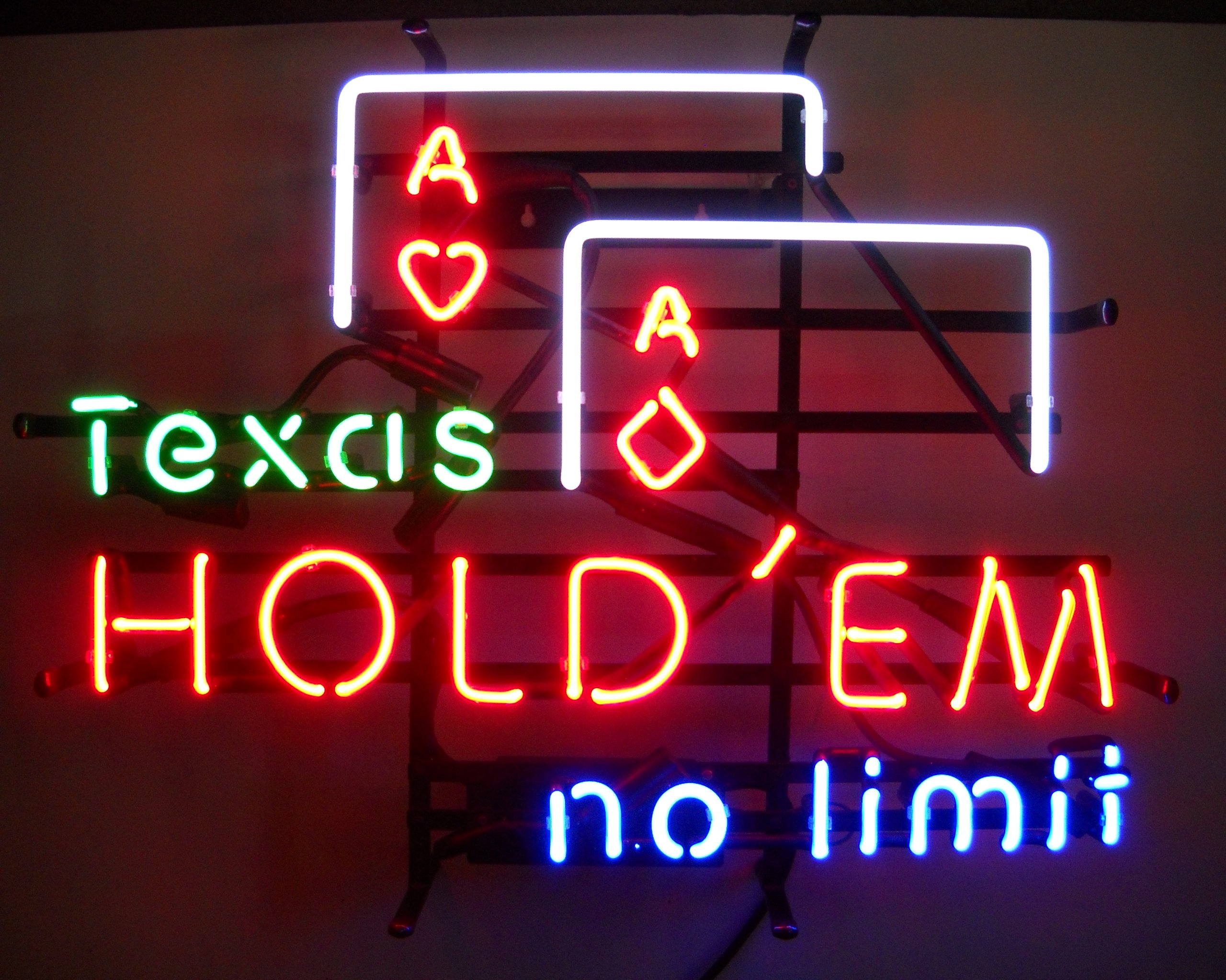 Neonetics 5TEXAS Texas Hold 'Em No Limit Neon Business Sign