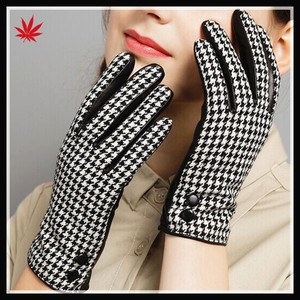 2016 Fashion female touch screen gloves fabric &leather gloves with button