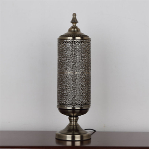 American rustic style hollow pattern bronze iron table lamp for decoration D150*H570mm