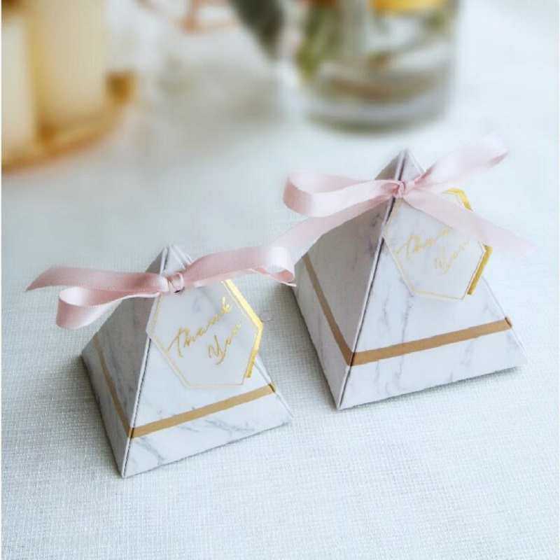 New Europe Triangular Pyramid Style Gift Box Wedding Favors Marble Paper Candy Box for Wedding Chocolate Candy Gift