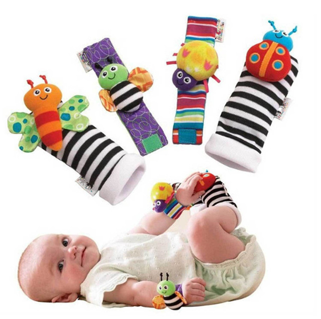 Rattle Baby leg warmers Toys High Contrast Garden Bug Wrist Rattle Foot Socks 4pcs a set