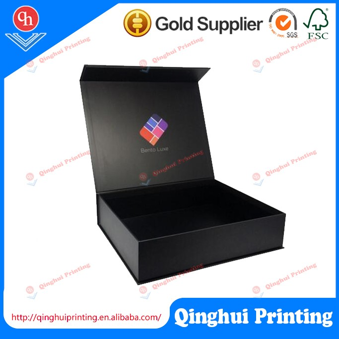 Luxury Foldable Gift Garment Shoes Paper Packaging Box with Ribbon