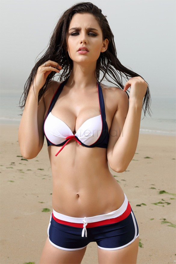 Girls in bikini gallery