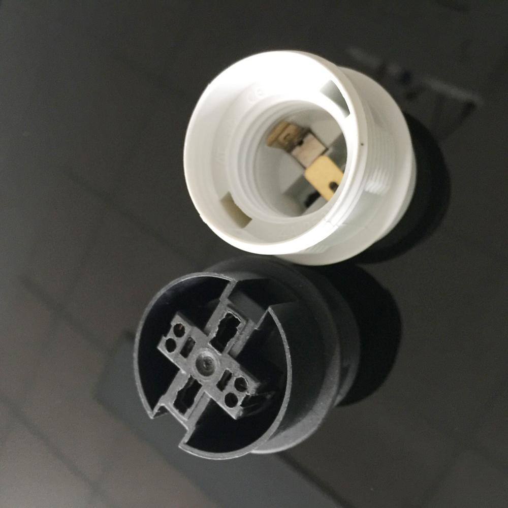T210 250v Plastic Light Bulb Socket