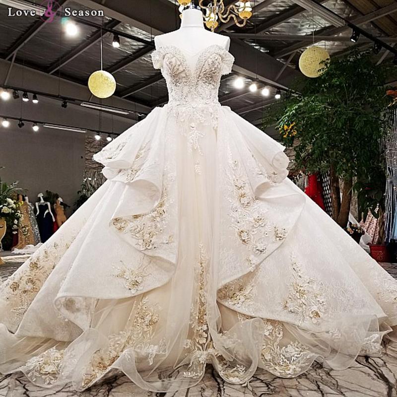 виду всех, самые шикарные и дорогие свадебные платья фото рагу