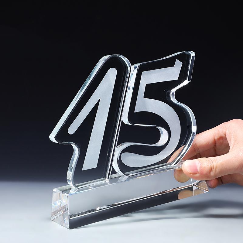 新デザイン 5 10 15 年デジタルブランク記念トロフィー/クリスタルワールドカップのトロフィー 3d 額縁結婚式ギフト