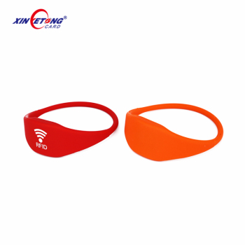 High quality adjustable PVC rfid wristband NFC RFID silicone wristbands for swimming pool