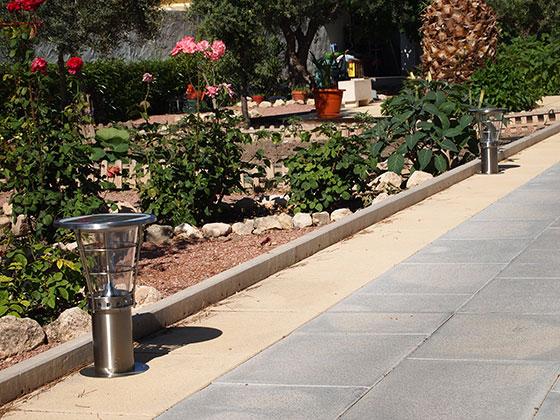 Solar Garden Light For Outdoor Decoration Solar Led Garden Light ...