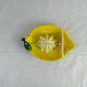 Creative lemon shaped ceramic lemon squeezer for modern life