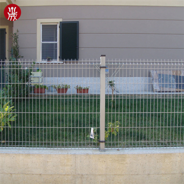 Decorative Galvanized Welded Wire Mesh Fencing With Metal Posts Fence Panel Product