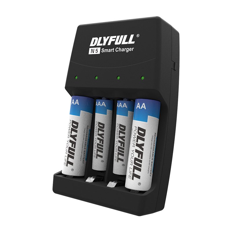 4 Slots Wall Charger Ni-MH Alkaline Battery Charger