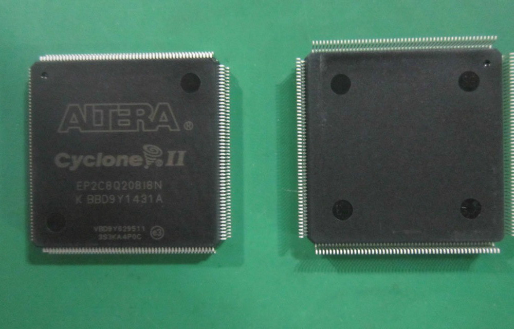 Original New Altera FPGA Chip EP2C8Q208I8N