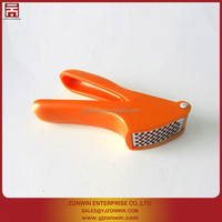 garlic press fruit vegetable cutter