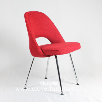 Replica Eero Saarinen Side Chair